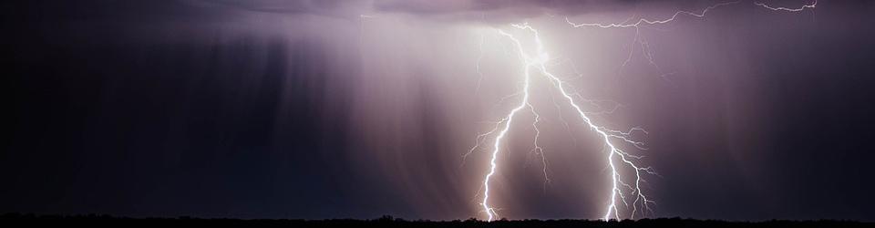 lightning-bolt-768801-960-720.jpg